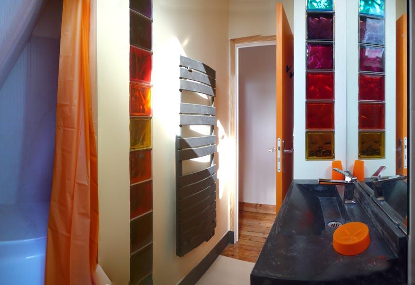 Perros guirec location appartement les salles de bain for Salle de bain avec wc separe